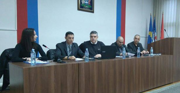 """Održana tribina u Mladenovcu na temu """"Društvo i država u borbi protiv narkomanije"""""""